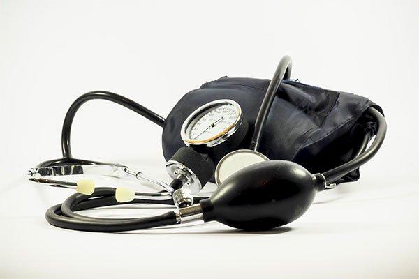 beneficios-de-la-uva-verde-presion-arterial