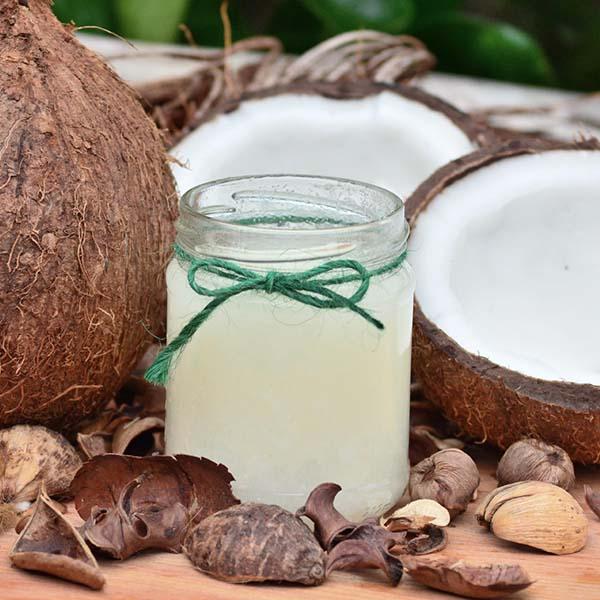 cocos y aceite de coco